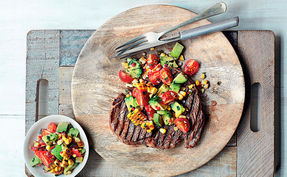 Steak mit Chimichurri-Mais-Salsa